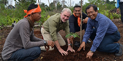 Indonesia's Minister of Forestry joined RER management in commemorating the first planting.